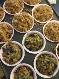 Top each muffin with streusel ..